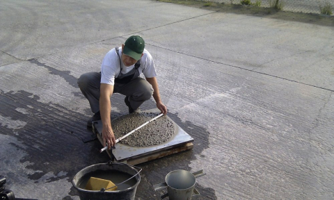 STEELCRETE - zkouška rozlivu v betonárně, stanovení konzistence, odběr vzorků na kontrolní testy
